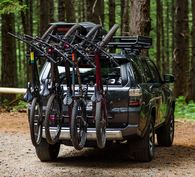 YAKIMA HANGOVER 4 VERTICAL HITCH MOUNT CARRIER - 4 BIKES